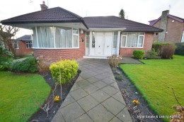 Click the photo for more details of 129 Bury Old Road, Manchester, Prestwich